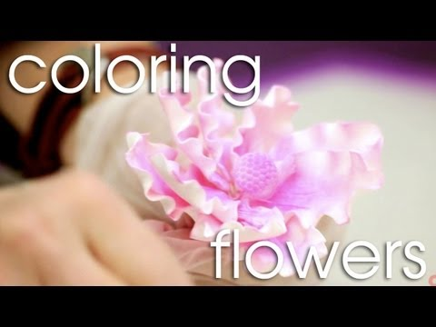 How to Apply Dust Color to Gum Paste Flowers | Cake Tutorials