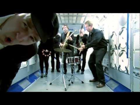Back at the ISS: Musical greeting to André Kuipers and ISS crew