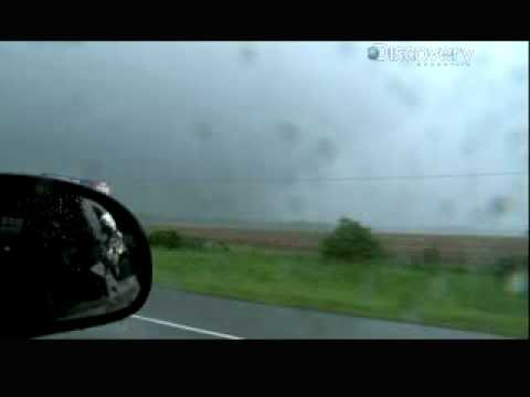 Storm Chasers - Tornado Traffic Jam