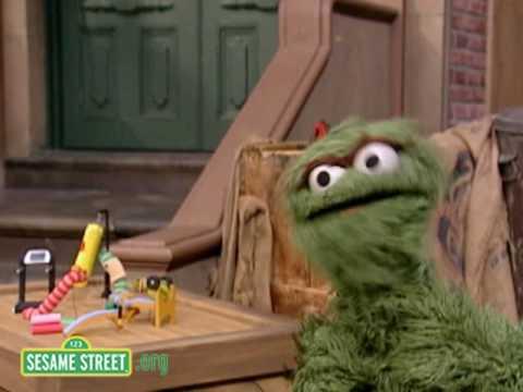 Sesame Street: Trash Gordon's Worm Workout