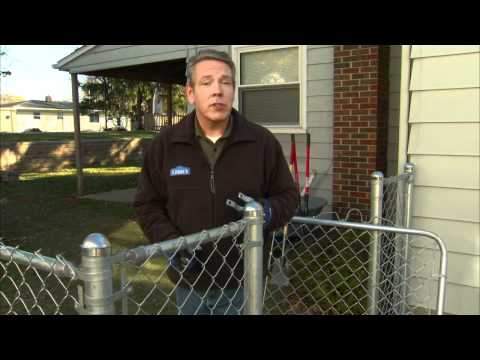 Chain Link Fence Installation Tips: Attaching Fence Fabric and Gate