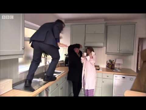 Estate agent infestation - Stewart Lee's Comedy Vehicle - BBC