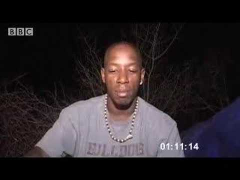 Night survival in the desert - Ian Wright in the Kalahari - BBC