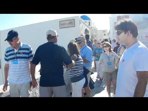 Santorini Delights the Masses