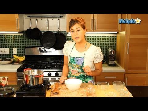 How to Make Cinnamon Nut Oatmeal With Raisins