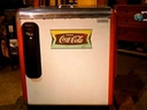 Auction Kings- Vintage Coke Machine