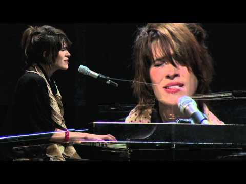 Imogen Heap: Hide and Seek