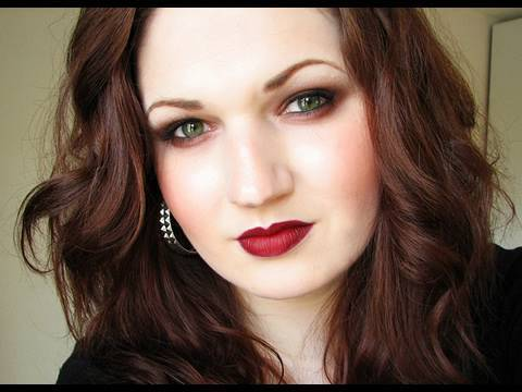 Gossip Girl Makeup Hair & Style (Taylor Momsen Look)