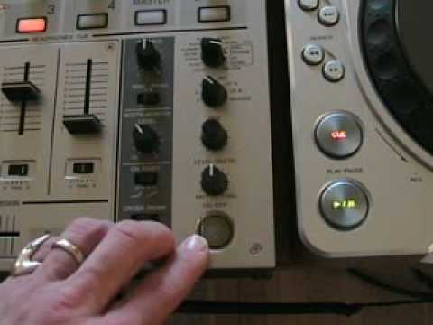 Demonstration of the Roll up and down on the DJM-700 mixer