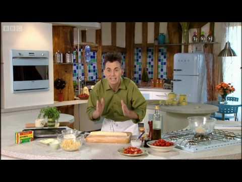 Vegetarian sausage rolls - Gary Rhodes - BBC
