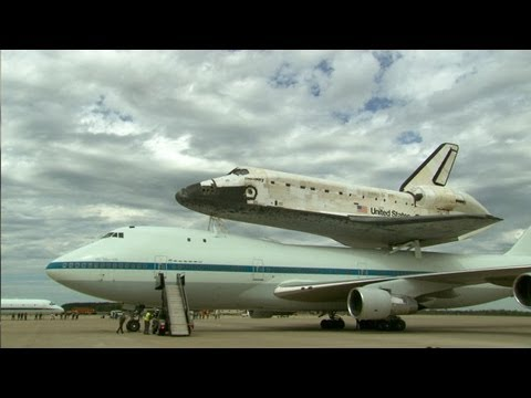 Space Shuttle: Final Countdown - Space Shuttle Discovery Lands at Smithsonian