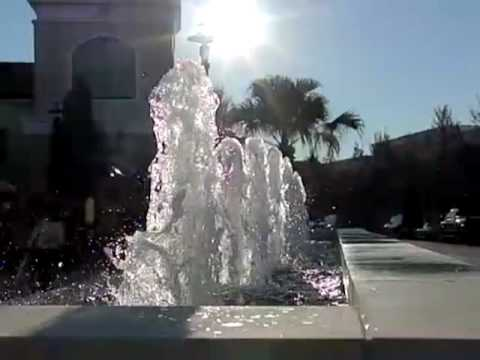 SLOW MOTION WATER FOUNTAIN HIGH SPEED VIDEO CAPTURE