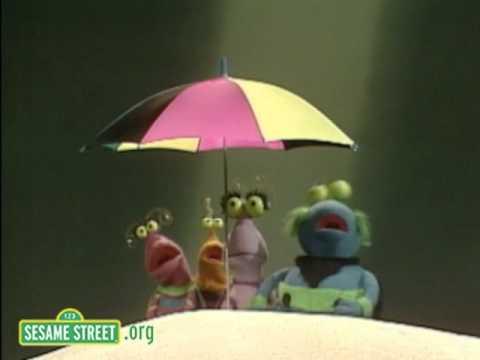 Sesame Street: Twiddlebugs at the Beach