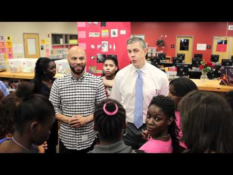 Secretary Arne Duncan and Common speak with students in Orlando