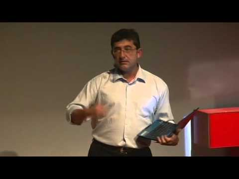 Journalism and The Free Press, Stroking the Cat: Eric Samson at TEDxQuito