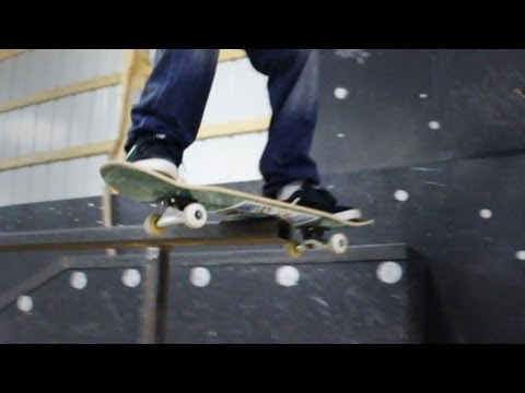 How to Skateboard with Bam Margera: Easy Tricks / Boardslide / Railslide
