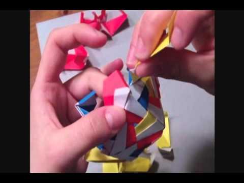 Modular Origami: Patterned Icosahedron, 30 units (Meenakshi Mukerji)