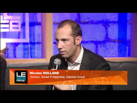 "LeWeb 2011 Panel - ""Social organizations is a paradigm shift."""