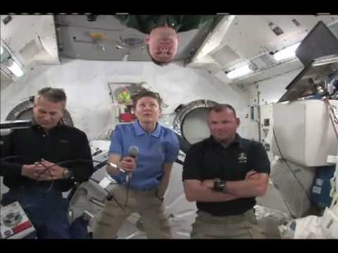 Astronauts Talk About Life in Space with Media