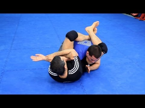 Finishing the Triangle | MMA Fighting Techniques