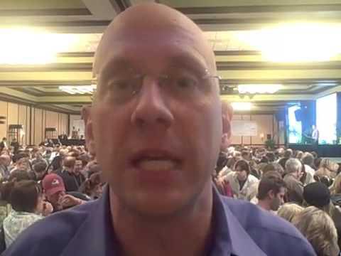 Darren LaCroix goes to Guerilla Business School - Improving Your Public Speaking Business