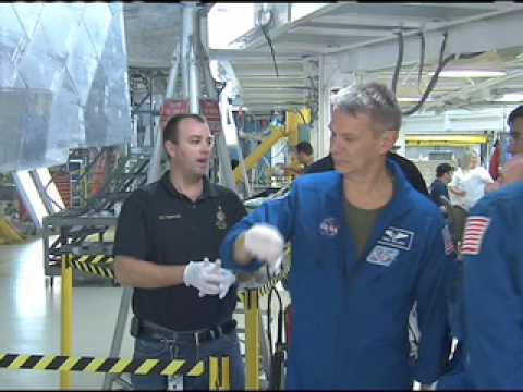 Handling Hardware Helps Shuttle Crew Prep for Flight