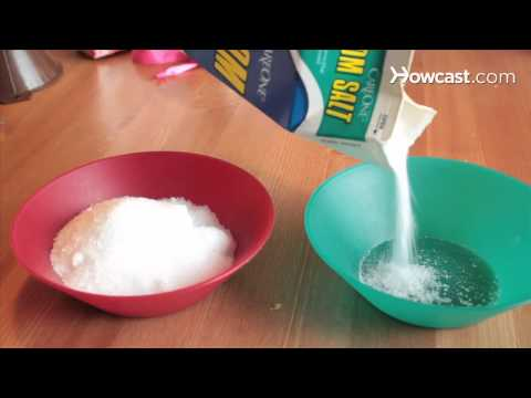 How to Make Candy Cane Bath Salts