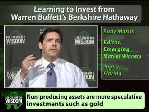 Learning to Invest from Warren Buffett