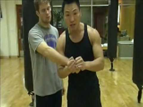 Wing Chun - How To Make a Fist (part 1)