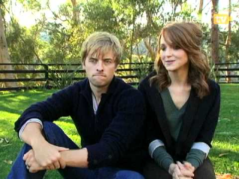 Glee's Jayma Mays Dishes About Married Life - The Nest