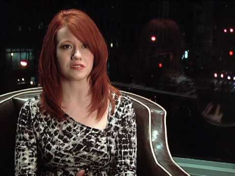 Richelle Mead and her fans talk about Vampire Academy (video)
