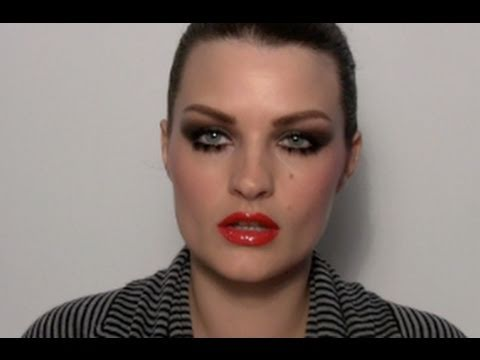 SUPERMODEL CRYSTAL RENN MAKE-UP TUTORIAL