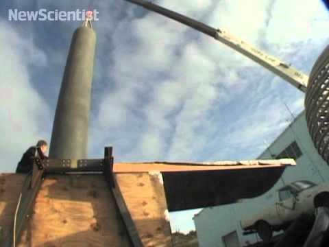 Giant Tesla tower spawns big bolts