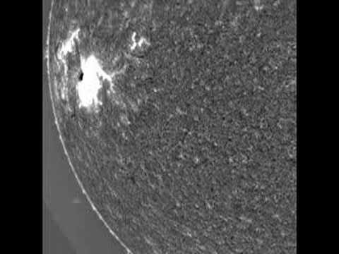 Tsunami-like blast wave rips across the Sun 1