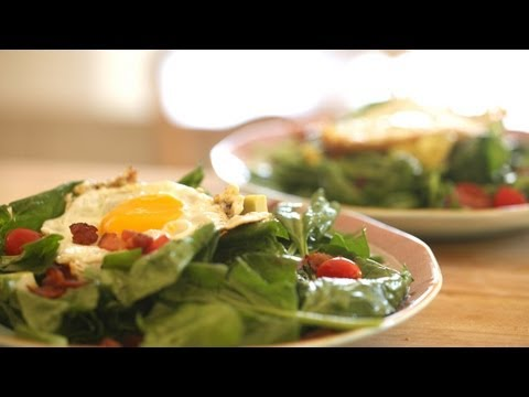 Warm Spinach Salad, Bacon and Fried Egg || KIN EATS