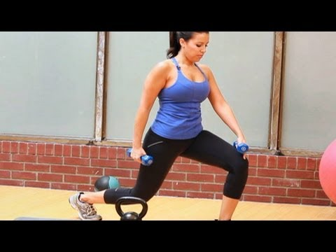 Best Bikini Workout for Women: Walking Lunges