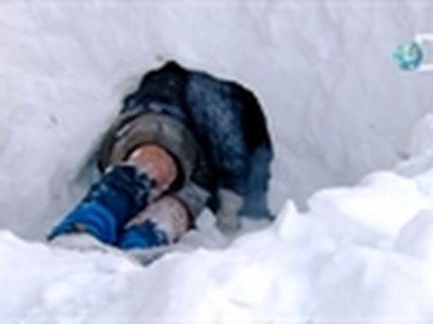 Dual Survival- Snow Cave Refuge