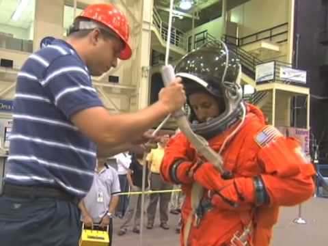 Space Shuttle Astronaut, Educator Joseph Acaba's Message to Students (Spanish Version)