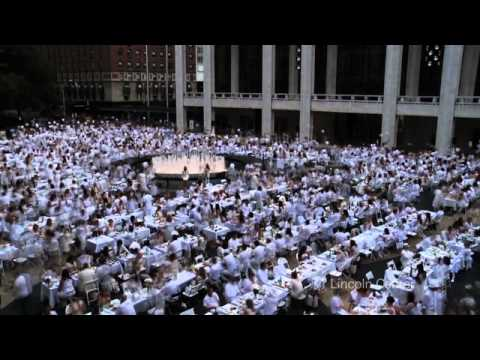 Timelapse: Dîner en Blanc Descends on Lincoln Center