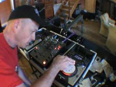 How to do a spin back on a Pioneer CDJ-400 turntable video 1
