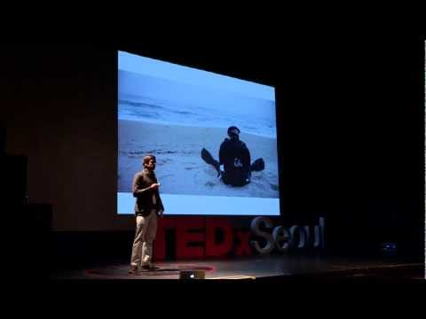 Rhythm of Seoul reflected by images and photographs: Nils Clauss at TEDxSeoul