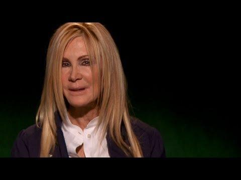 Celebrity Ghost Stories - Joan Van Ark - Ghostly Presence