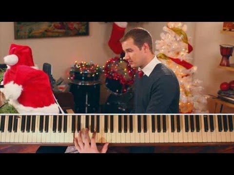 "How to Play Christmas Songs on Piano: ""O Come, All Ye Faithful"" (Adeste Fideles)"