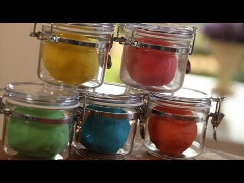 Homemade Play Dough: How to Make || KIN PARENTS