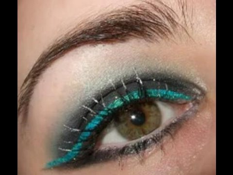 DANCING ON ICE sparkling smokey eye makeup tutorial