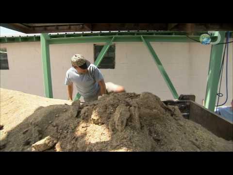 Dirty Jobs - Cricket Farmer - A Truckload of Crap