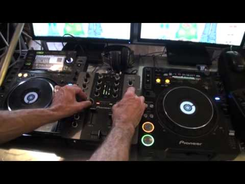 DJ Demonstration, Mix using the Sound color filter on the Pioneer DJM250