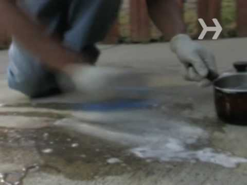 How to Get Grease off a Concrete Driveway