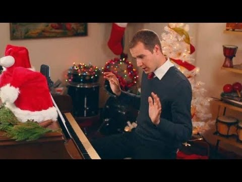 "How to Play Christmas Songs on Piano: ""What Child Is This?"" (""Greensleeves"")"