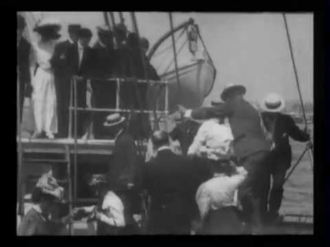 "Departure of Peary [and the] ""Roosevelt"" from New York"